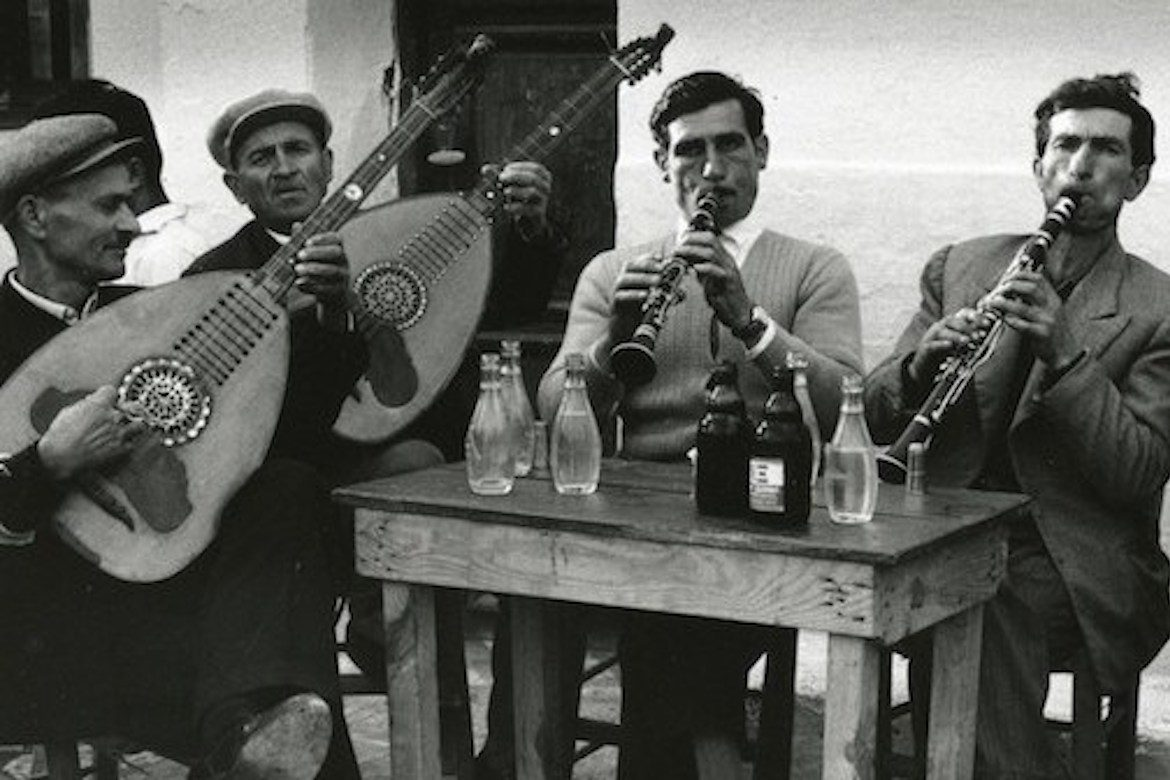 20 stunning photos of 1960s greece in black and white
