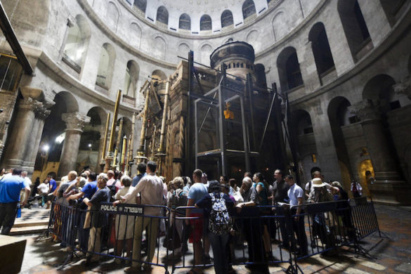 Photos of the Day: Jesus' Tomb is Finally Getting Repairs, Delayed for 200 Years Over Inter-Christian Rivalry