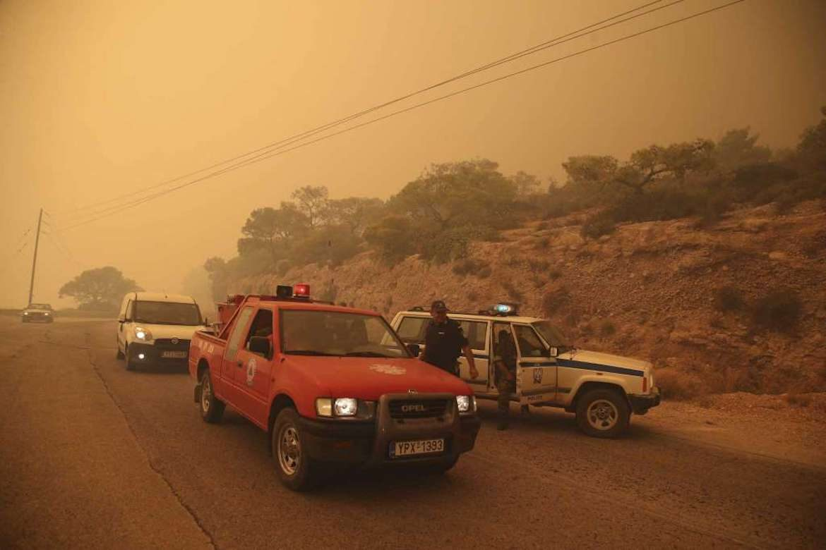 Greek Residents Flee Due to Raging Wildfires Outside of Athens