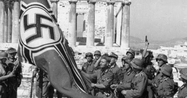 German troops raising the swastika over the Acropolis, 1941 (1)