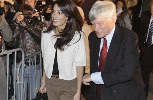 (Photos, Video) With a New Name and the Biggest Case of Her Career, Amal Clooney Arrives in Athens